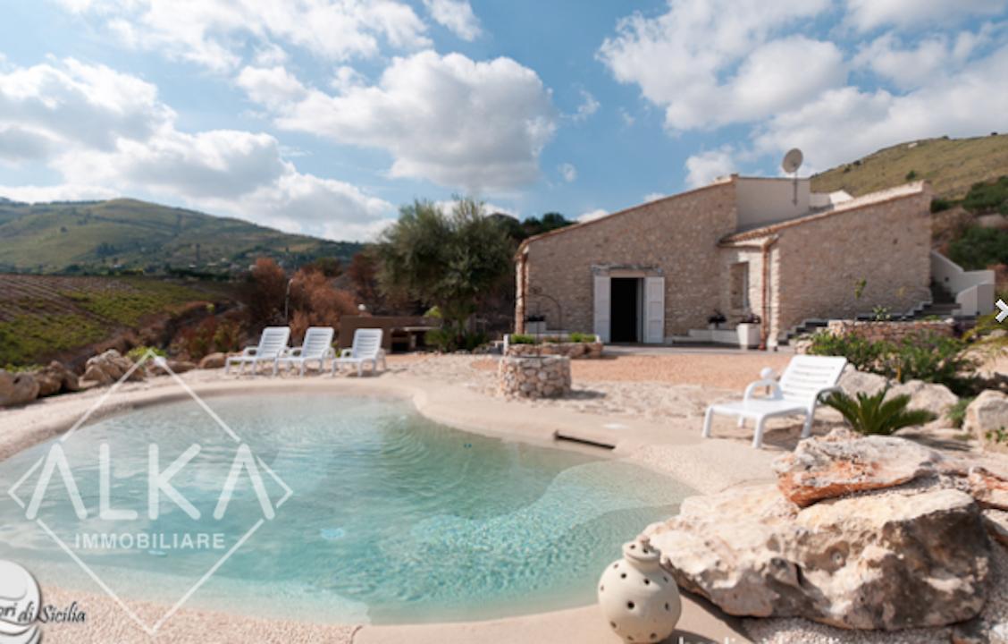 Villa con Piscina Castellammare del Golfo – Ristrutturata e ad alto reddito