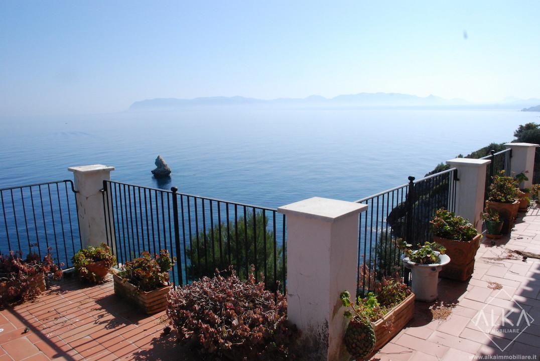 Prestigiosa Villa sul Mare in vendita a Scopello